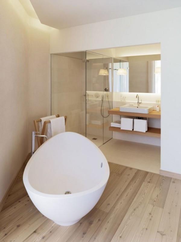 den-led-tai-restroom-2
