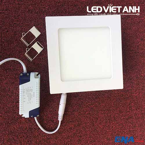 led-am-tran-vuong-9w-avp-3mau-01